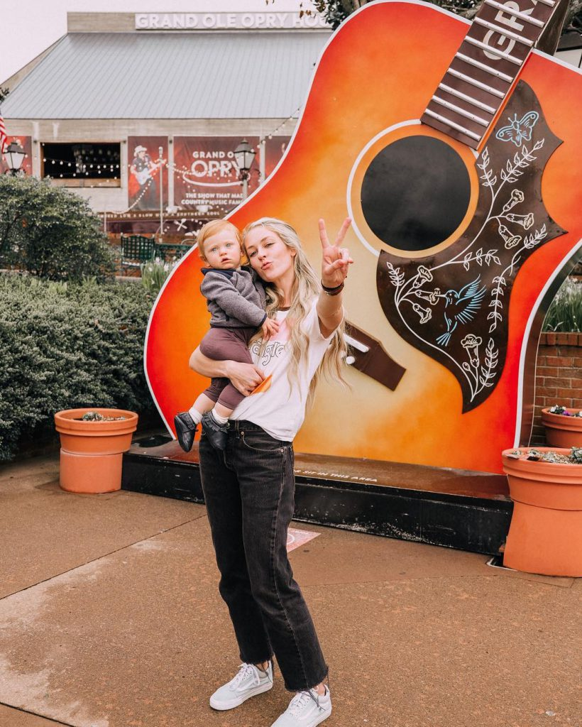 mom with baby at the grand ole opry