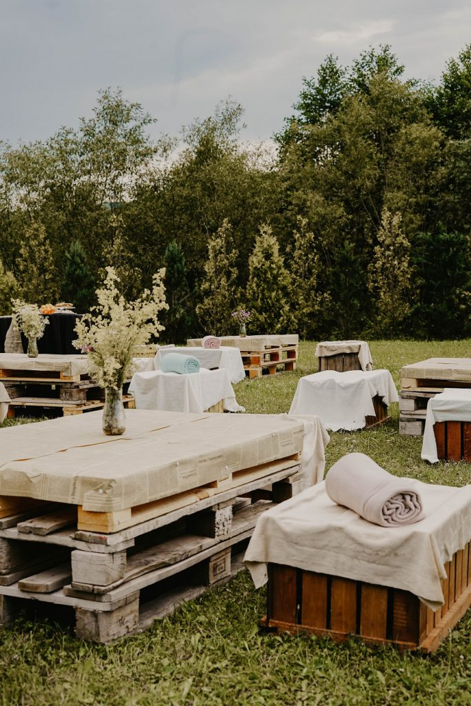 outdoor lounge seating at a wedding