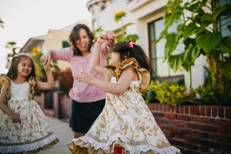 50 Spring Family Photo Ideas