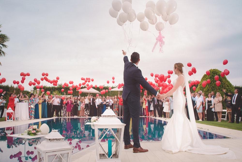 balloon send off wedding